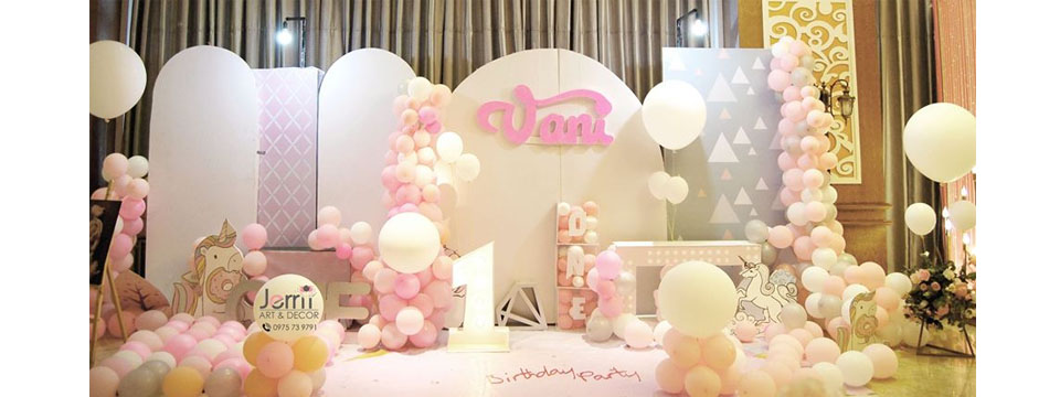 PINKY THEMED PARTY